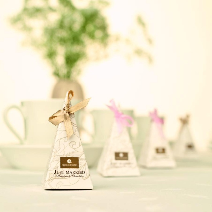 Weselne piramidka z czekoladką / Gifts for wedding guests / #chocolate #chocolissimo #wedding