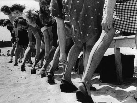 Vintage Air Stocking :). Odkrywamy tajemnicę produkcji najtańszych w świecie pończoch. [video] (REPOZYTORIUM CYFROWE FILMOTEKI NARODOWEJ) #repozytoriumcyfrowe, #fashion, #stockings