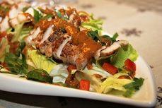 Salát s BBQ vepřovým masem na thajský způsob /Salad with BBQ pork in the Thai way/ Zdravé, nízkosacharidové, bezlepkové recepty. (Healthy, low carb, gluten free recipes.)