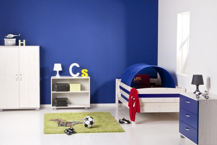 Basis kinderbed met uitvalbeveiligingen | Doorbouwbedden.nl  http://www.doorbouwbedden.nl/Product/bedden/lage_bedden/basisbed.html#
