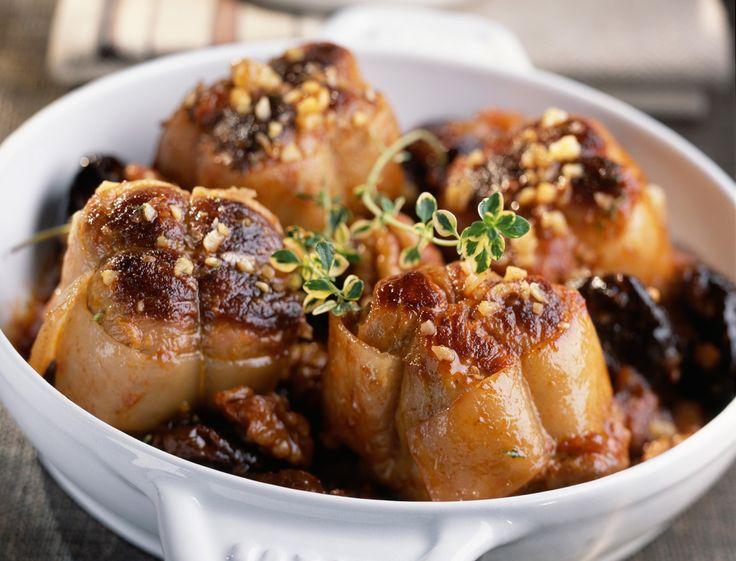 Avec les lectrices reporter de Femme Actuelle, découvrez les recettes de cuisine des internautes : Paupiettes aux pruneaux et noix (A l'auto-cuiseur)