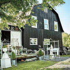 Countryside Antiques Road Trip: Unearth a shopper's treasure trove of vintage finds on this 160-mile stretch through the western Maryland and northern Virginia countryside.