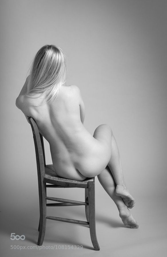 violetlahaie: «NUDE ON CHAIR» by Brunod. Found in: http://ift.tt/1RsSrfQ