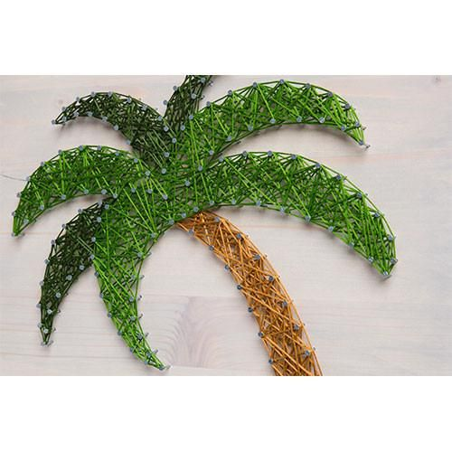 This Palm Tree String Art Picture Frame Kit is perfect for pictures of you and your loved ones at the beach. Or pictures of your children playing in the sand.