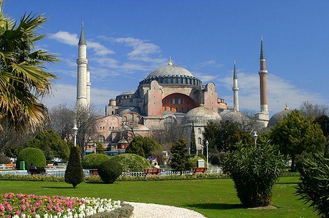 Hagia+Sophia+Museum+/+Church+(Ayasofya)