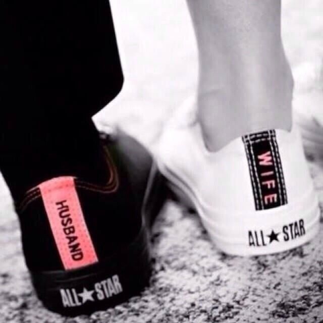 Bride and groom chuck taylors