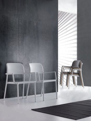 1000 images about fauteuils chaises design ou for Salle a manger taupe