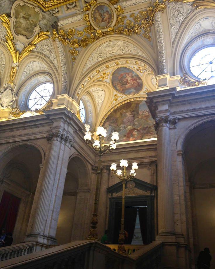STŘÍPKY Z KULTURY I NEKULTURY: MADRID MODERNÍ I HISTORICKÝ