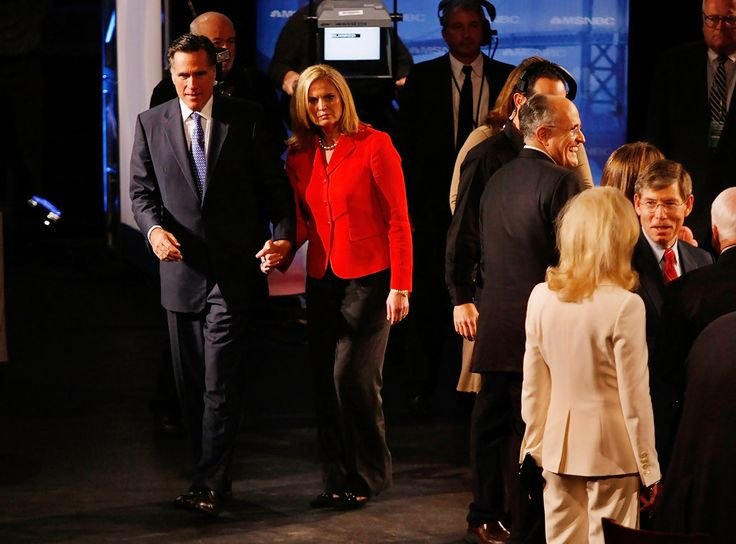 Mitt Romney Ann Romney Photos: Republican Candidates Debate Ahead Of Florida Primary