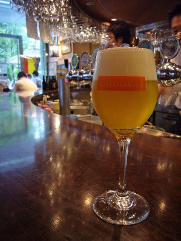 霞ヶ関のおすすめスポット ベルギービールの飲める有名店、デリリウムカフェ!