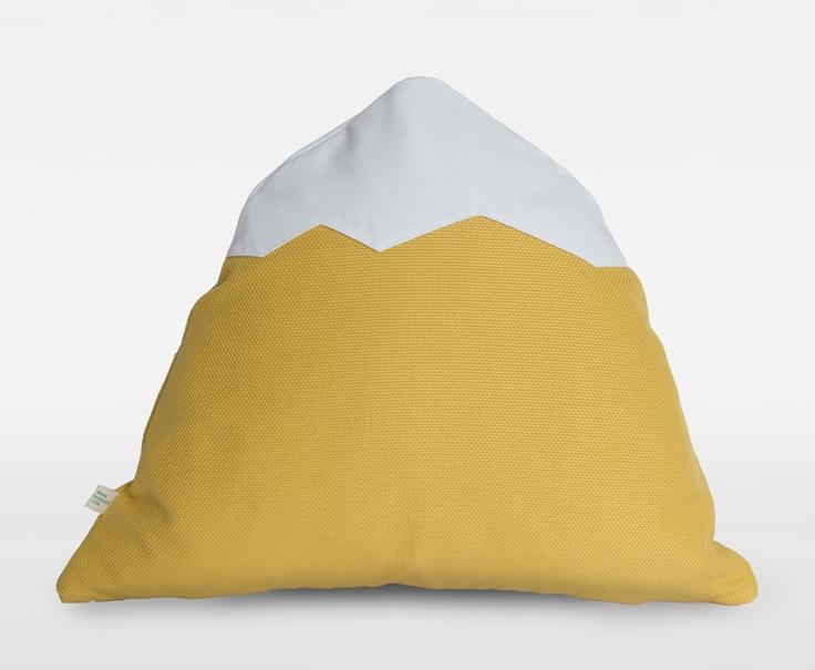 M34 - Markrun Mountain Cushion - www.markrun.com