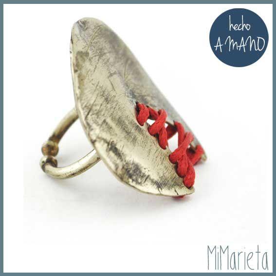 """Anillo """"La Costura"""" http://www.mimarieta.com/producto/anillo-la-costura/"""
