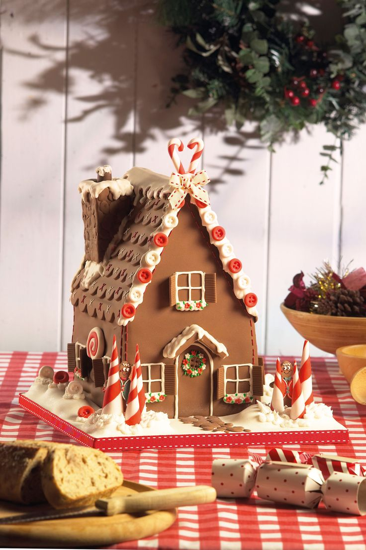 Christmas House Cake Decoration : 17 Best images about Paul Bradford cakes on Pinterest ...