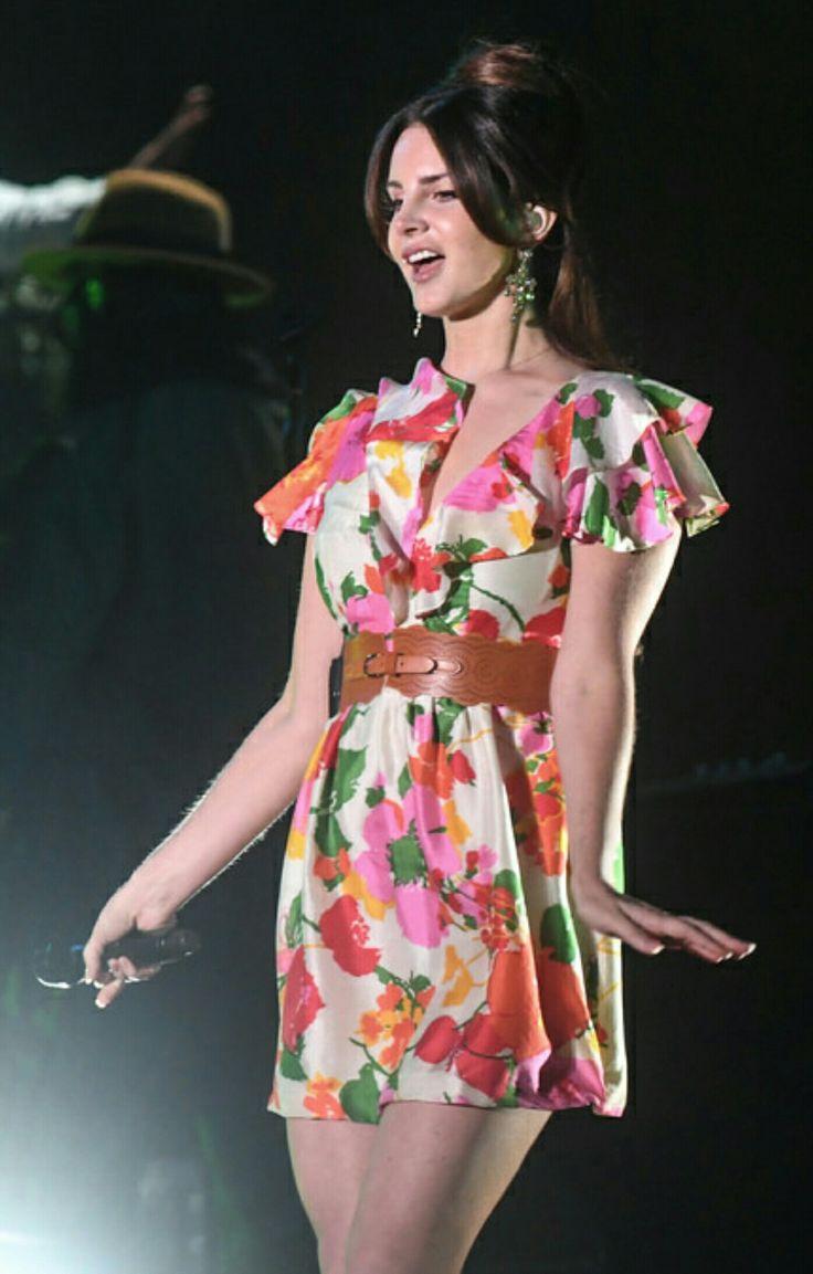 Lana Del Rey performing at the Corona Capital Festival in Mexico City #LDR