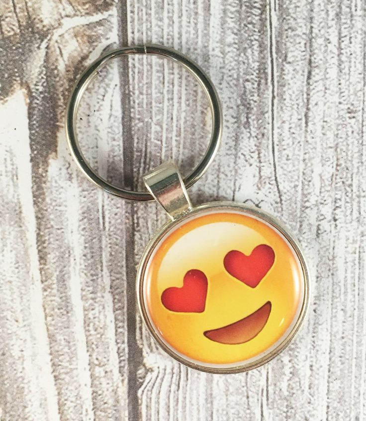 Emoji key chain - Love emoji - Heart emoji - Heart eye emoji - Sweet emoji - Valentine emoji - Boyfriend gift - Girlfriend gift - Valentines by Shaebugs on Etsy