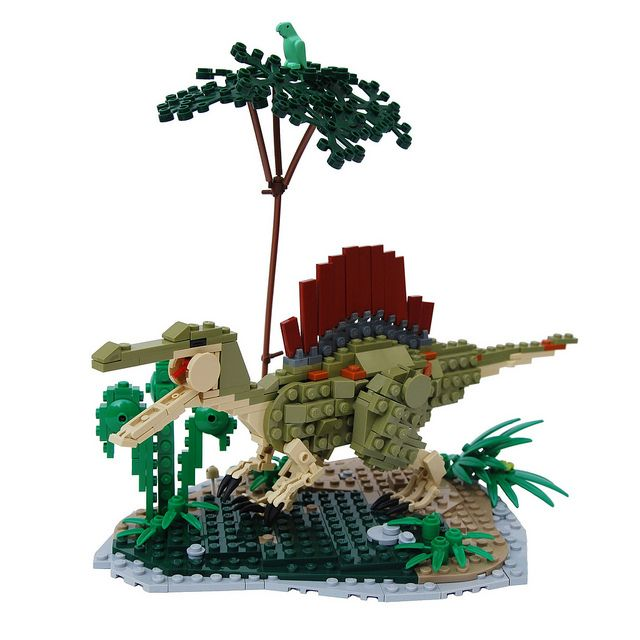 Lego brick-built Spinosaurus aegyptiacus. It's a shame I couldn't find the original builder.