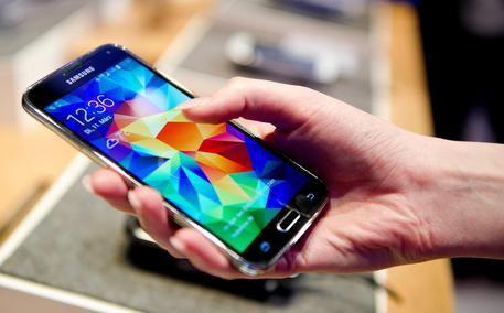 #3BusinessNews: Addio roaming in Europa dal 15 giugno. Parlamento Ue approva accordo, ultimo ostacolo a stop costi aggiuntivi. http://www.ansa.it/sito/notizie/tecnologia/tlc/2017/04/06/addio-roaming-ue-dal-15-giugno_0a94c0c4-4972-4628-9435-3a73362613ea.html