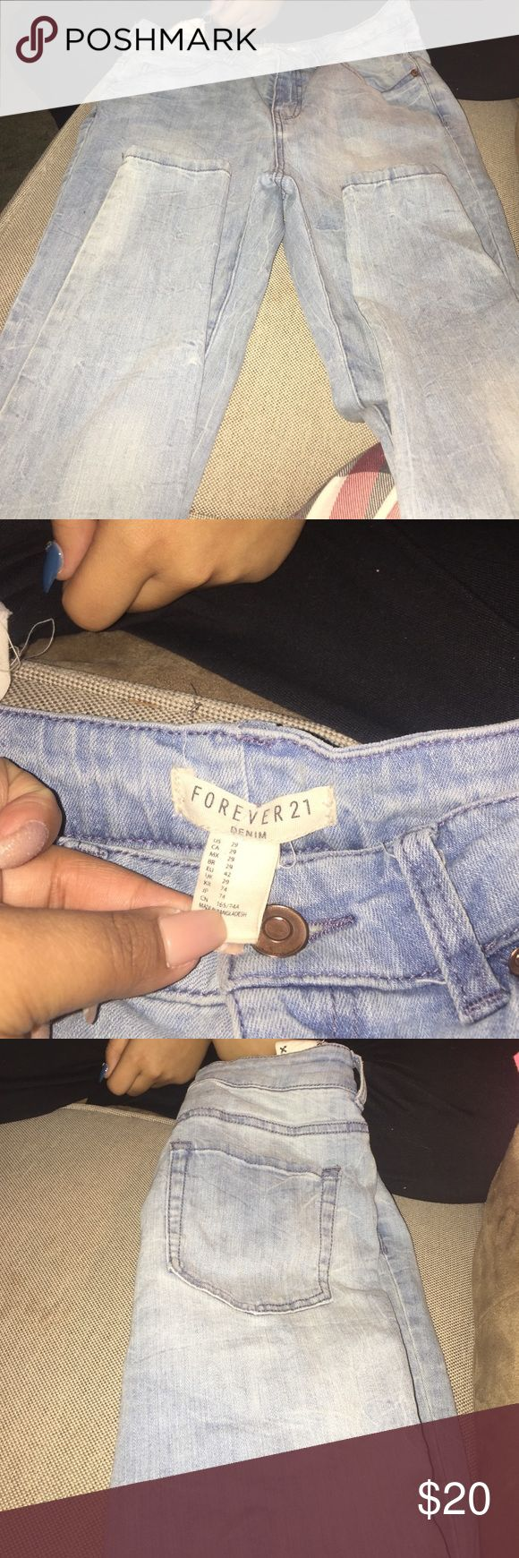 Light blue skinny jeans Light blue skinny jeans, worn several times, great condition, the only wear and tear is on the tag as show in the picture Jeans Skinny