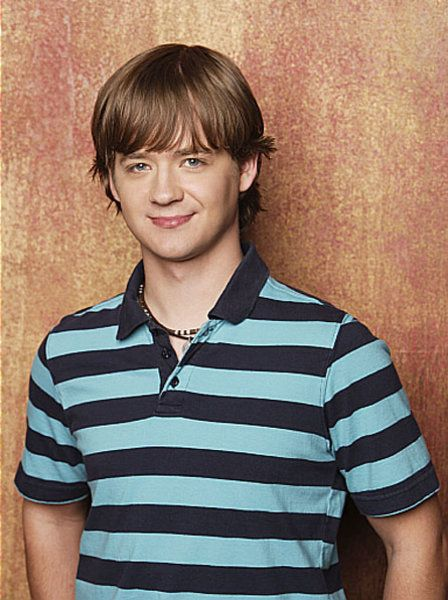 25 Celebrities Who Are Older Than You Thought - Jason Earls (Hanna Montana's little brother)  IS FRICKIN 34 YEARS OLD.  LOOK IT UP.  I DARE YOU.