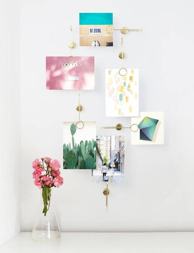 Leuke gouden houdertjes voor foto's, memo's & kaartjes! Te koop op www.yellowsky.shop    #gold #goud #muurdecoratie #foto #muur #woonaccessoires #interieur