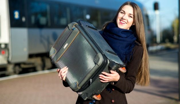 Tired of paying baggage fees? Read these tips to help avoid common mistakes. | travelfashiongirl.com