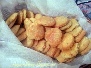 Cheese and rosemary biscuits / Ciasteczka z serem i rozmarynem