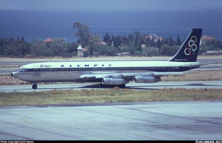 Boeing 707-384C aircraft picture