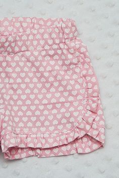 Sewing tutorial for ruffle shorts