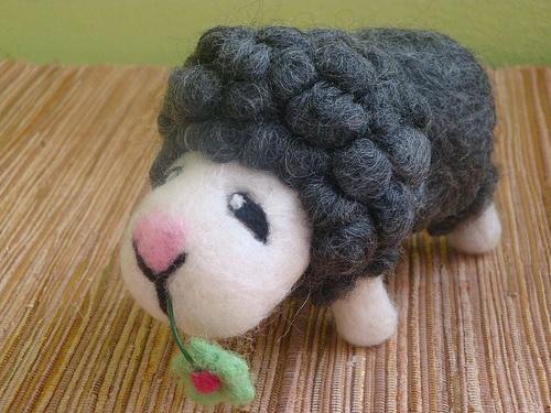 Owieczka z Kwiatkiem
