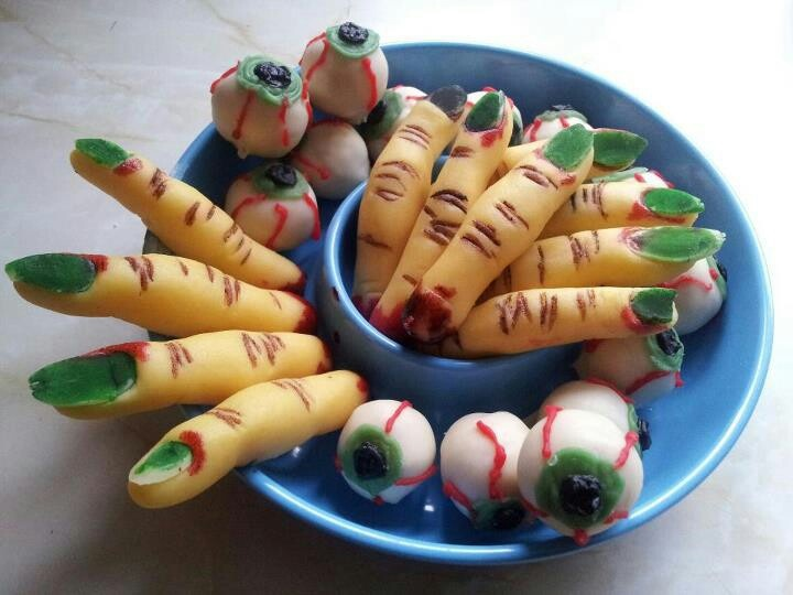 Halloween witch fingers and eyeballs made from marzepin