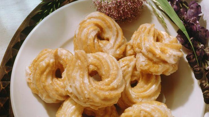 Dieses Original-Rezept für Eberwalder Spritzkuchen müssen Sie unbedingt probieren. Der Teig wird in heißem Fett ausgebacken– so wird es herrlich süß!