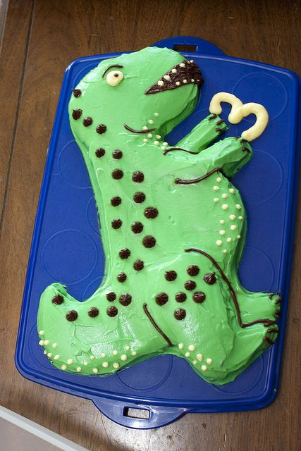 "T. Rex Cake! by unit2345, via Flickr Lucy likes T-Rex and Allosaurus the best. ""I like the meat eaters - grrr!"""