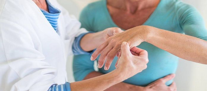 Arthritis is a common illness among elders that halts them from doing their daily activities. Here are five tips to remember to avoid severe arthritis pain. READ MORE:  http://www.amazonthunder.com/news/5-Things-You-Should-Never-Do-When-You-Have-Arthritis