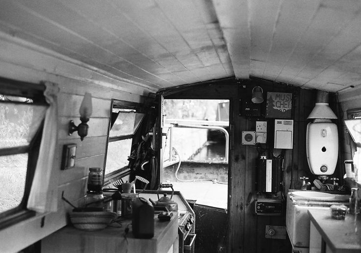 """Earlier this month I spent a week on a boat - boat life may be for me you know. Anyone got city boat life tips for me? So far I know """"don't fall in"""" and """"don't overpay""""...      #35mm #analog #shootfilm #filmisnotdead #landscape #boat #narrowboat #canal #boatlife #boaty #offgrid #instagood #instalove #eco #ecofriendly #filmphotography #필름  #フィルム #胶片 #필름사진  #フィルム写真 #пленка #tinyhouse #waterways #interiors #liveauthentic #blackandwhite"""