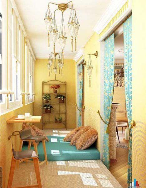 Balcony enclosure and decorating ideas 22 small sun rooms for Fall balcony decorating ideas