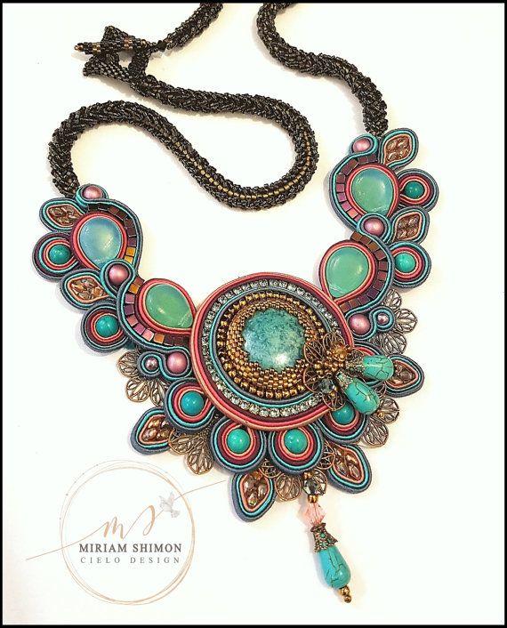 Soutache Halskette in Pink Türkis lila und blau von MiriamShimon