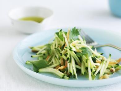Salade met courgette en worteltjes