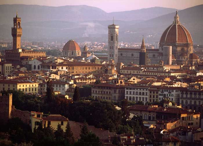 1296-1436.Florence,panoramic vierw from Piazza Michelangelo,Автор проекта Брунеллески,Джотто, Арх. Арнольфо ди Камбио и Филиппо Брунеллески,Строительство 1296- 1436.