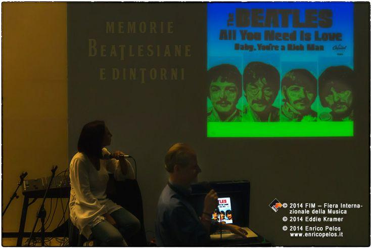 """Al Fim abbiamo assistito all'interessantissima conferenza tenuta da Eddie Kramer, ingegnere del suono di Hendrix, e di due pezzi dei Beatles  con i quali registrò  """"All you need is love"""" e """"Baby you're a rich man"""".Quest'anno al FIM a Genova dove è stato premiato come""""Best Studio Sound Engineer"""".   """"MEMORIE BEATLESIANE e dintorni"""" by Rita Tunes e Enrico Pelos  - Stampa a colori  http://goo.gl/0gp2FI - Copertina colori e foto BN    http://goo.gl/ACvprw - eBook (pdf  a colori)…"""