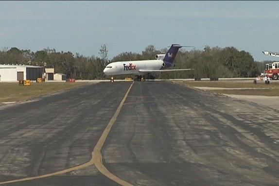 FedEx donates plane to Sun n Fun to support Polk aviation education programs - Bay News 9