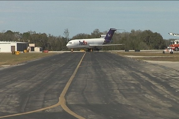 FedEx donates plane to Sun n Fun to support Polk aviation education programs - Bay News 9