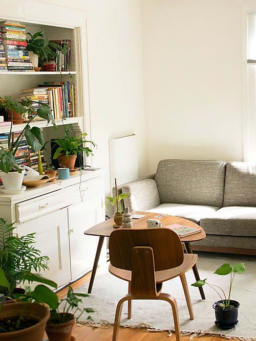 3 astuces pour décorer un petit appartement sans l'encombrer en 2020   Idee deco petit salon ...