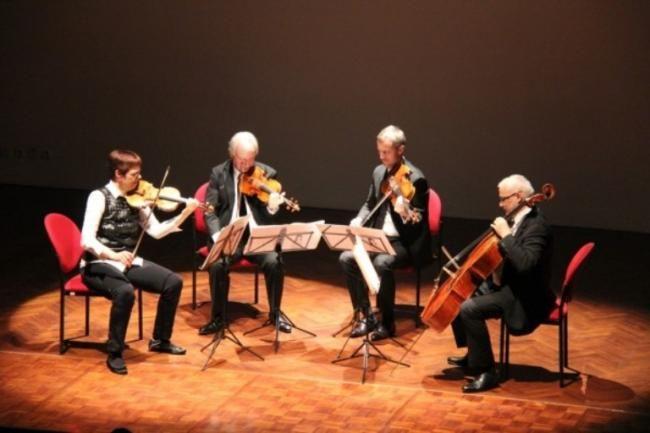 Covesia.com - Komposer Avip Priatna menilai dalam beberapa tahun belakangan perkembangan musik klasik di Indonesia cukup menggembirakan. Dimana, banyak orang...