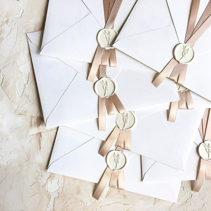 © PAPIRA invitatii de nunta personalizate // Soft warm tones for hot summer days. // #papiradesign #papirainvitations #invitatiidenunta #invitatiinunta #weddinginvitations