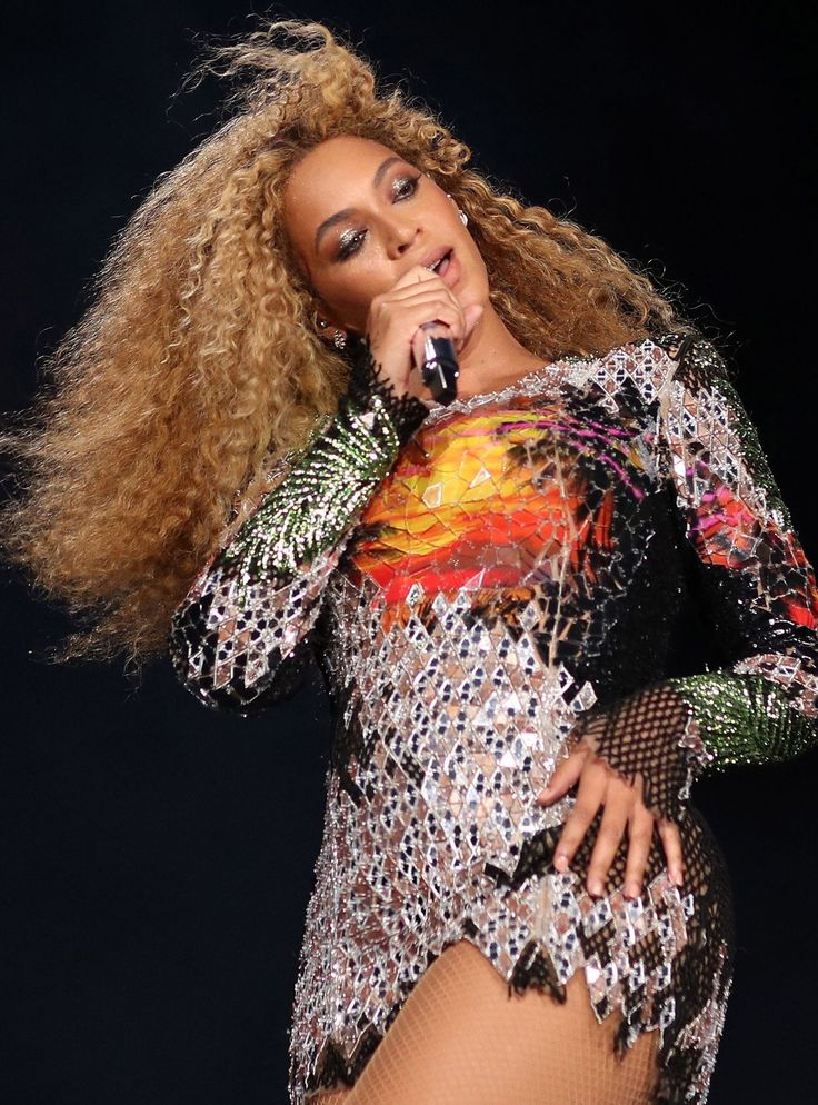 Beyoncé's choreographer is here to serve you GIFs (your group chat will thank him) #Beyonce #Dance #GIFs #Messenger