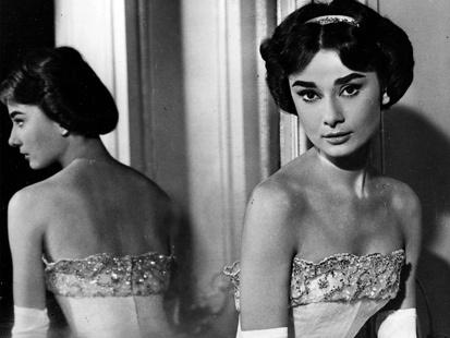 Audrey Hepburn reflection: Hepburn Ems, Dresses Up, Forever Audrey, Classic Beautiful, Hepburn Reflection, Audrey Hepburn, Audrey Heppburn, 1957 Photo, Audrey Queue