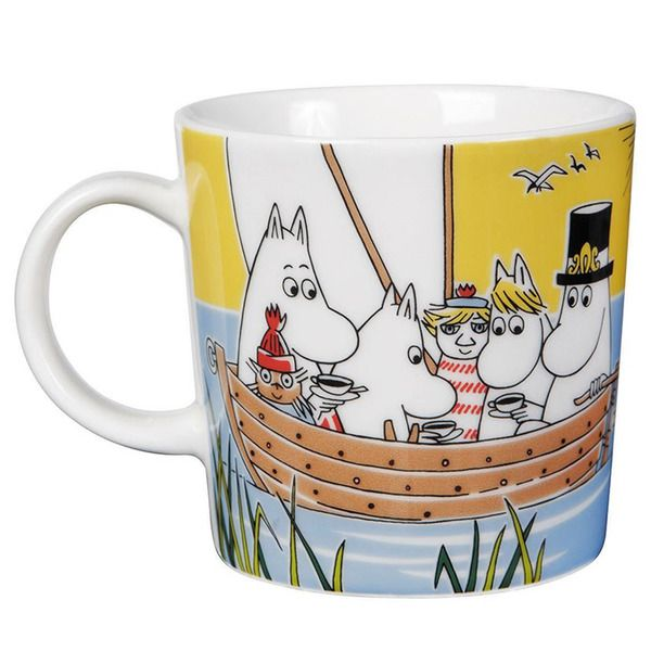 Limited edition mug for summer 2014.This mug is available for a limited time only and only a limited amount is available. Deliveries will begin on April 15th, please sign up for our pre notice list!In the illustration the whole Moomin family is sailing together with Too-Ticky and Nibling.