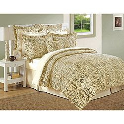 Accent your bedroom decor with this exotic cheetah print comforter set from Isabella Clarke. This comforter set is constructed of 300 thread-count mercerized cotton fabric using superior combed single ply yarns.