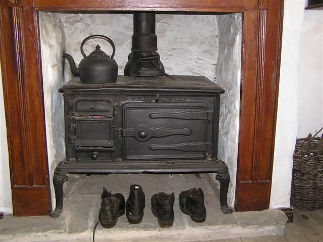 Charming Old Kitchen Range, Living Quarters Of Mountjoy Post Office,Ulster American  Folk Park,