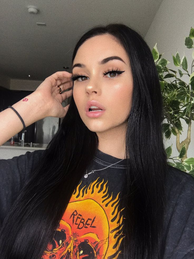 Instagram Makeup Brushes: 176 Best Images About Maggie Lindemann On Pinterest